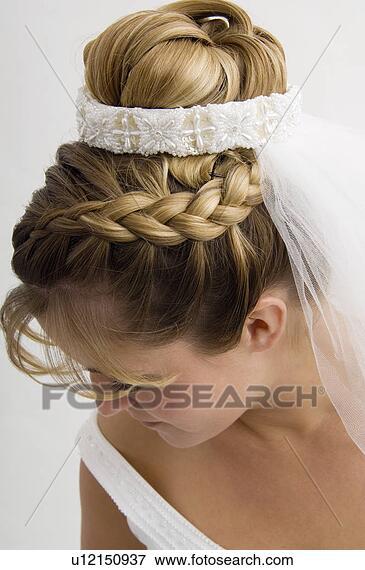 penteado de trança com coque noiva
