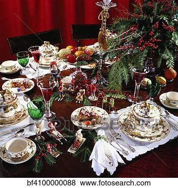bilder weihnachten fest gedient tisch bereit essen. Black Bedroom Furniture Sets. Home Design Ideas