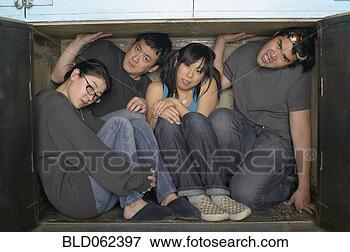 多少数民族成员, 团体, 挤榨,小, 空间 bld062397 搜索影像 照片