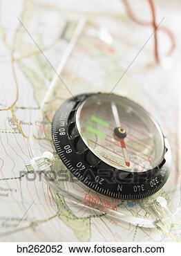 指南针, 地图. 搜寻创意英文字母绘图,图像绘图高清图片