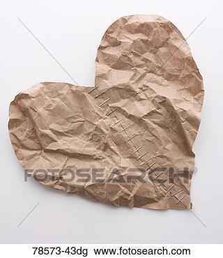 Banco de Imagem - amarrotado, papel,  coração, cicatriz.  fotosearch - busca  de fotos, imagens  e clipart