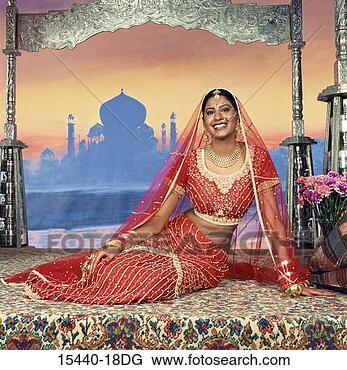 http://comps.fotosearch.com/comp/CRT/CRT374/woman-indian-wedding_~15440-18DG.jpg