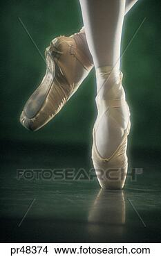 Leylla Lane Ballet-dancer-s_~pr48374