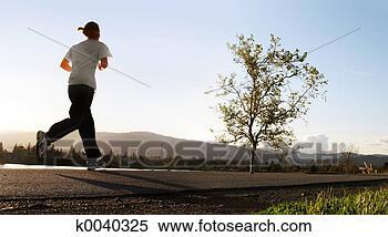 Banco de Imagem - manhã, corrida.  fotosearch - busca  de fotos, imagens  e clipart