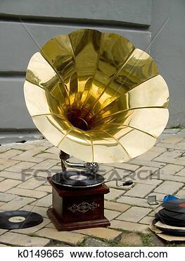 gramophone_~k0149665.jpg