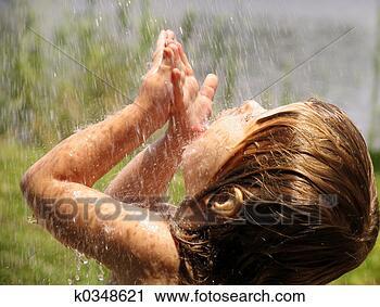 Arquivos de Fotografia - tocando, chuva. Fotosearch - Busca de Fotos, Imagens, Impressões e Clip Art
