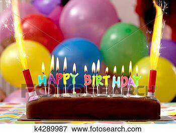 Foto - aniversário, bolo.  fotosearch - busca  de fotos, imagens  e clipart