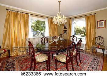 Archivio di immagini sala da pranzo con tende giallo - Tende sala da pranzo ...