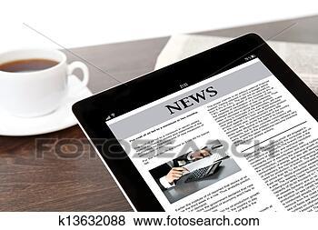 Foto - tabuleta, negócio, notícia, tela, tabela, homem negócios. Fotosearch - Busca de Imagens Fotogr�ficas e Fotos Clip Art
