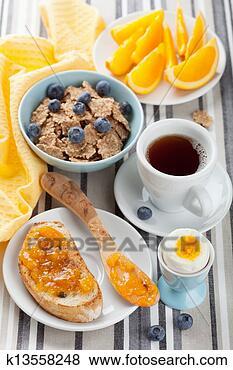 sain-petit-dejeuner_~k13558248