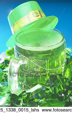 http://comps.fotosearch.com/comp/DNV/DNV238/green-beer-leprechaun_~020225_1338_0015_lshs.jpg