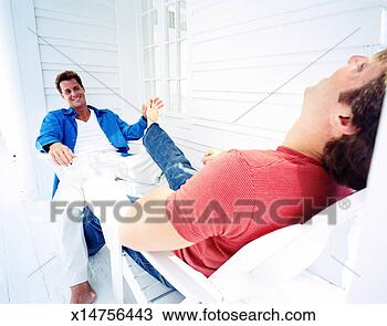 Stock Foto - a, jung, homosexueller mann, kitzeln, dass, füße, von ...