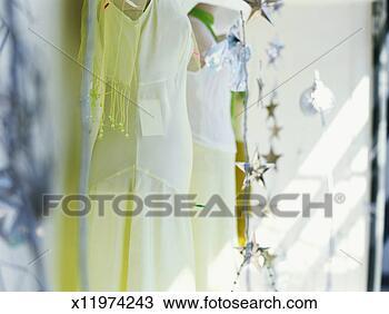 图吧 - 人体模型, 衣服, 商店 x11974243 - 搜索图