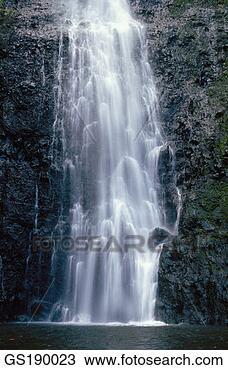 Banque de Photo - nature, cascade, cascades, torrent, violence. fotosearch - recherchez des photos, des images et des cliparts