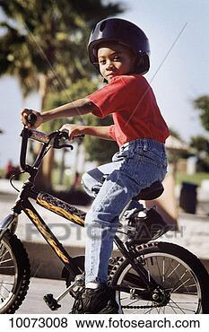 Banco de Imagem - obscurecido, 8-9,  bicicleta, afro-caribbean,  africano-americano.  fotosearch - busca  de fotos, imagens  e clipart