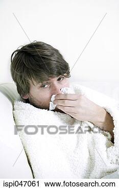 Arquivo de Fotografia - homem, baixo,  gripe. fotosearch  - busca de fotos,  imagens e clipart