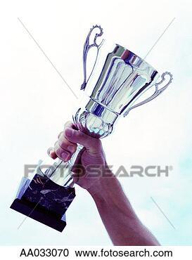 Miss bonne humeur dans voyage hand-lifting-trophy_~AA033070