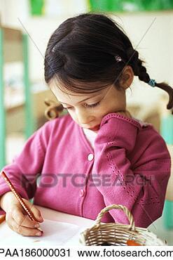 Arquivo de Fotografia - criança, pessoas,  personagem, caráteres,  pessoas, retratos,  rosto. fotosearch  - busca de fotos,  imagens e clipart
