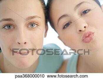Arquivos de Fotografia - dois, preteen, meninas, um, franzir, a, outro ...