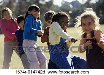 RF 类图片 孩子的组, 玩, 拔河 1574r 014742d 1574r 014742d.JPG