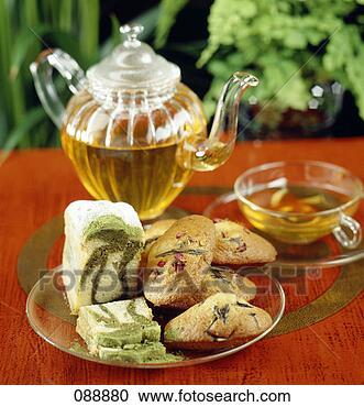 Arquivo de Fotografias - bolo, marbré,  verde, chá, madeleines,  alecrim, rosa,  pétalas. fotosearch  - busca de fotos,  imagens e clipart