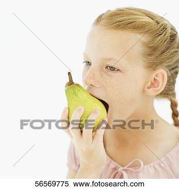 Pic kills pic - Page 3 Close-up-girl-eating_~56569775