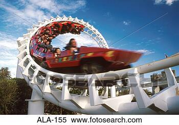 Banco de Imagem - rollercoaster,  carros, saca-rolhas,  velocidade, austrália.  fotosearch - busca  de fotos, imagens  e clipart