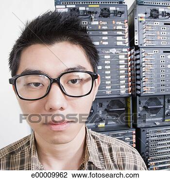 question de probabilité Geek-serveur-salle_~e00009962