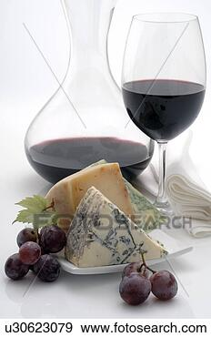 arquivo fotogr ficos decanting carafe vidro vinho queijo e uvas u30623079 busca de. Black Bedroom Furniture Sets. Home Design Ideas