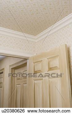 Archivio di immagini architettonico trim piccolo for Carta parati soffitto