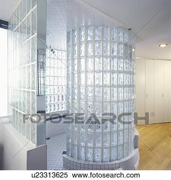 stock bild badezimmer glas block dusche stall dachgeschoss living u23313625 suche. Black Bedroom Furniture Sets. Home Design Ideas