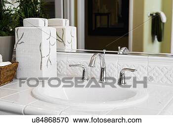 Lavandino bagno in inglese infissi del bagno in bagno - Costume da bagno inglese ...