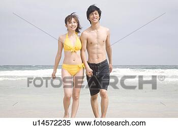 Clip corto pareja en la playa