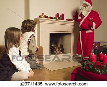 Banco de Imagem - homem,  vestido,santa,  claus,falando,  crianças.fotosearch - buscade fotos, imagense clipart
