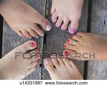 beauticontrol treatments spa feet paint toe nails wear toe rings