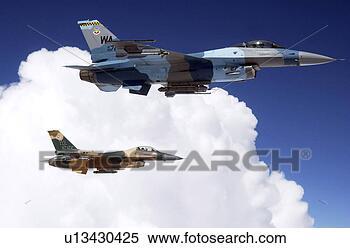 Banque d'Image - deux, f-16, combat, faucons, attente, ravitailler, stratotanker. fotosearch - recherchez des photos, des images et des cliparts
