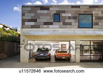 banque d 39 images ext rieur de moderne maison garage et voitures u11572646 recherchez. Black Bedroom Furniture Sets. Home Design Ideas