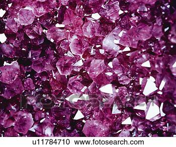 خصائص وفوائد الاحجار الكريمة U11784710