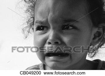 Arquivo de Fotografias - menina, chorando.  fotosearch - busca  de fotos, imagens  e clipart