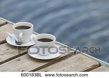 همسات مع فنجان قهوة Still-life-two_~600183BL