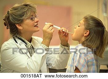 Αποθήκη Φωτογραφίας - παιδιατρικός,  γιατρός, διερευνώ,  λαιμόs, παιδί,  ασθενής. fotosearch  - αναζήτηση φωτογραφικών  εικόνων και φωτογραφιών  κλιπ αρτ
