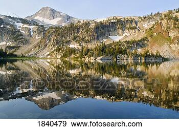 Eagle cap peak and mirror lake eagle cap wilderness oregon usa view